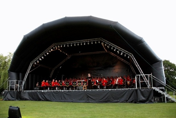 SUBMITTED IMAGE Sarah Jenkin-Jones, JJPR, Tel: 01332 515102/07951 945665; sarah@jjpublicrelations.co.uk  Sinfonia Viva Secures Funding Support For Mobile Venue  Derby-based regional orchestra Sinfonia Viva is forging ahead with its plans to buy an innovative mobile stage and auditorium that will enable it to take classical music further afield around the East Midlands. The mobile stage and auditorium are inflatable, highly portable and can be erected in a short space of time by just two or three people ? making it very flexible and appropriate for a wide range of spaces.